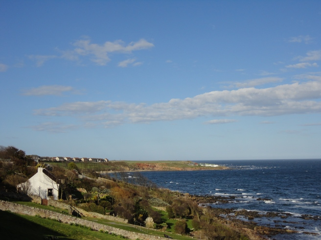 The coastline, looking down towards the Crail links
