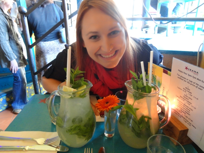 PITCHERS OF MOJITOSSSSS!